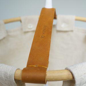 Lampara de tela con cuero marrón La Variete